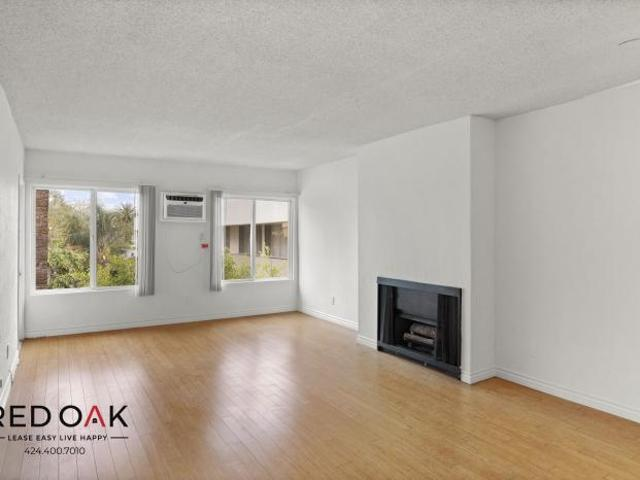 1 Bedroom, West Hollywood Ca 90069