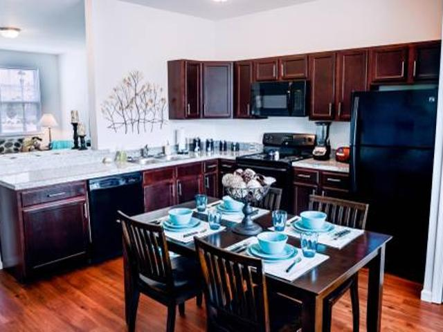 1 Br 1.5 Ba Apartment Utilities 1st Month Rent Free State College, Pa
