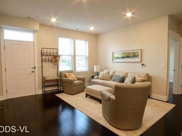 1 Br, 1 Bath Apartment 13108 Lincoln Road 10433 S. 132nd Street Unit 102