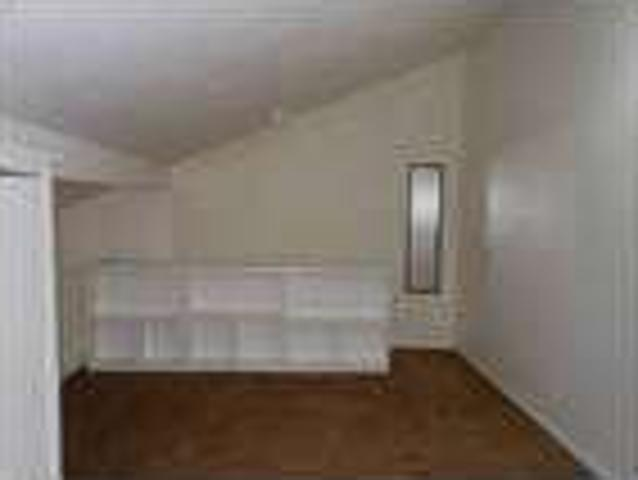 1 Br Townhouse In Troy With Bonus Loft Room!