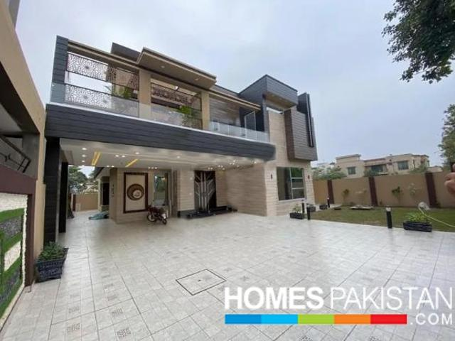 1 Kanal Brand New Luxurious Bungalow For Sale