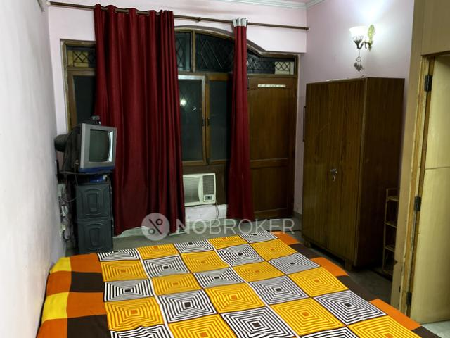 1 Rk In Independent House For Rent In Sector 52