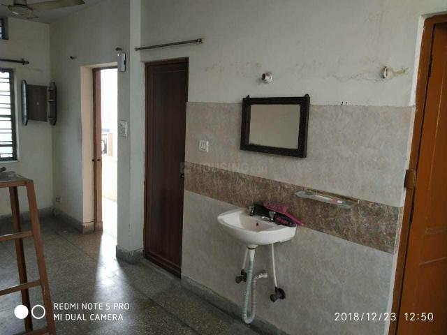 1 Rk Independent House In Sector 19 For Rent Noida. The Reference Number Is 2521173