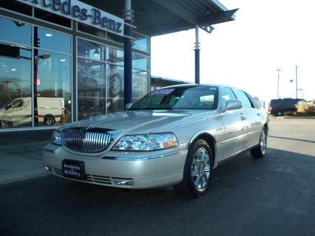 2003 Lincoln Town Car Cartier Edition Immaculate