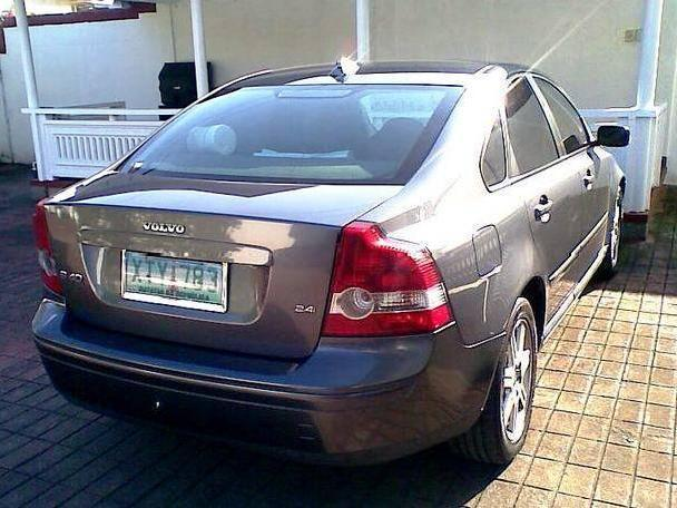 2005 volvo s40 2 4i very well maintained