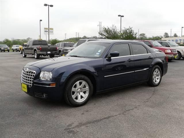Chrysler 300 Lincoln 23 2006 Chrysler 300 Used Cars In Lincoln Mitula Cars