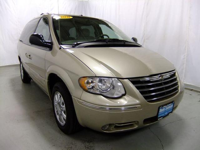chrysler town country 2006 bloomington mitula cars. Black Bedroom Furniture Sets. Home Design Ideas