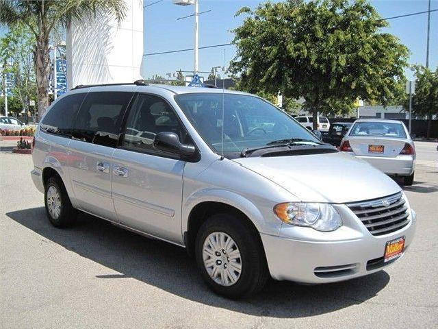 chrysler town country van nuys mitula cars. Black Bedroom Furniture Sets. Home Design Ideas