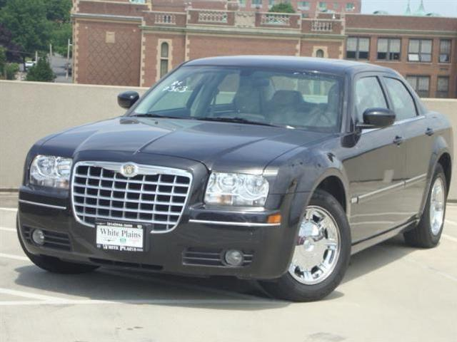 chrysler 300 touring white plains mitula cars. Black Bedroom Furniture Sets. Home Design Ideas
