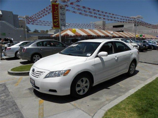 Toyota Camry Le In Van Nuys Used White Mitula Cars