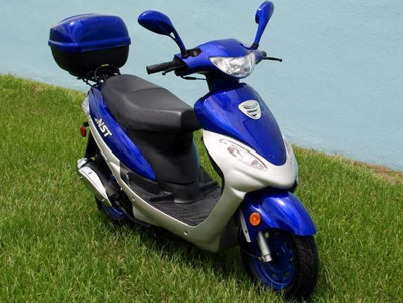 2008 49cc moped scooter blue 100 mpg warranty 50cc
