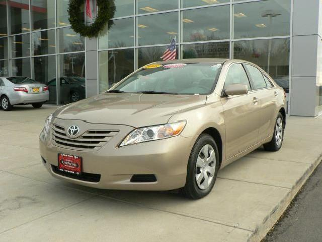 toyota camry le gold 2008 with pictures mitula cars. Black Bedroom Furniture Sets. Home Design Ideas