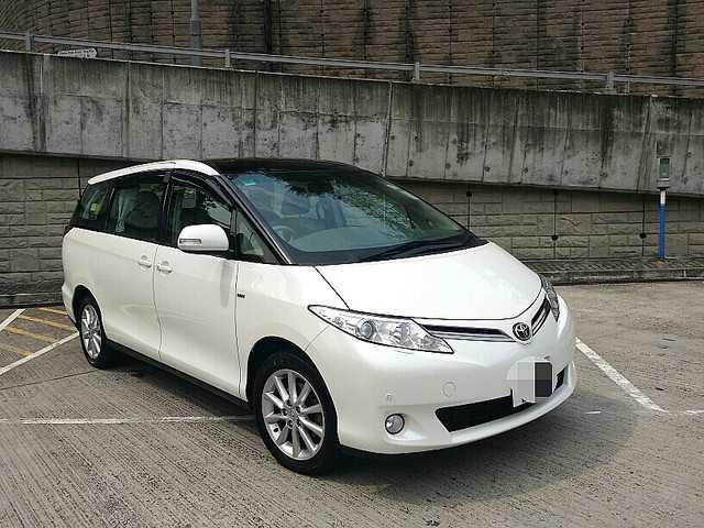 2010 Toyota Previa 2.4 Deluxe Mpv/ 3 Power Doors,dual Sunroof/ Just 52000km/