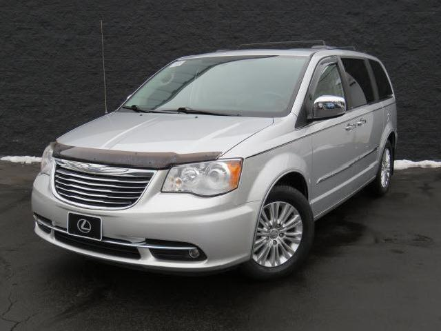 chrysler town and country limited ohio 347 chrysler town and country limited used cars in ohio. Black Bedroom Furniture Sets. Home Design Ideas