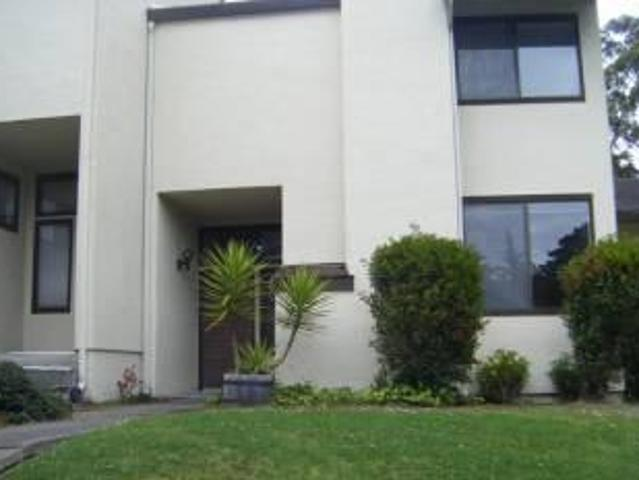 $2075 / 3br 3 Bedroom Condo Available Now! Pacific Grove
