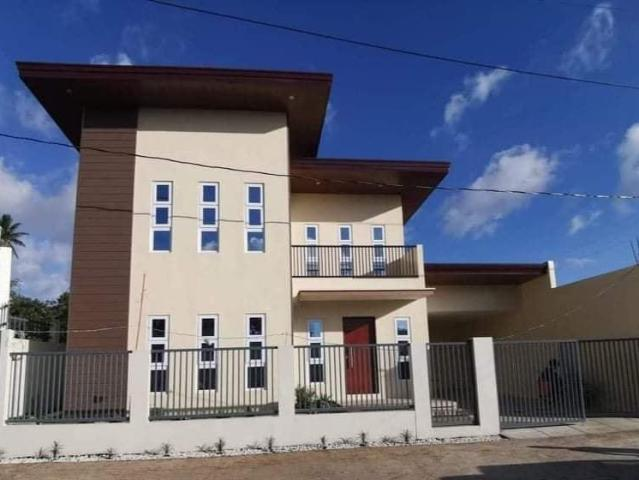 210sqm Brand New House In Cavite
