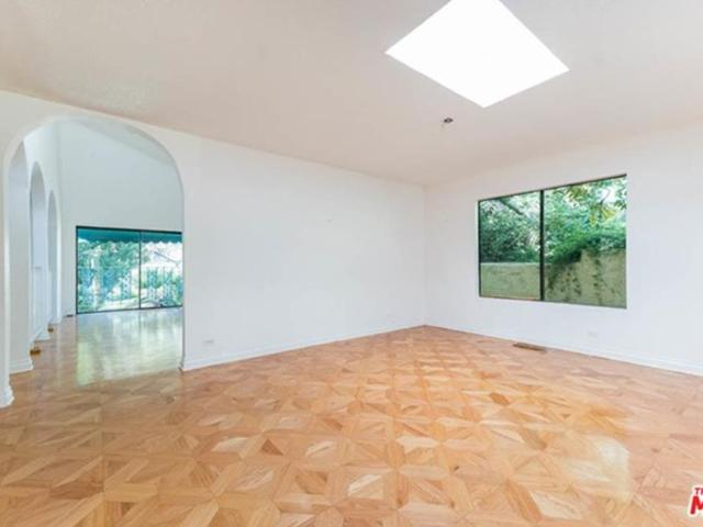 2112 Outpost Drive, Los Angeles, Ca 90068