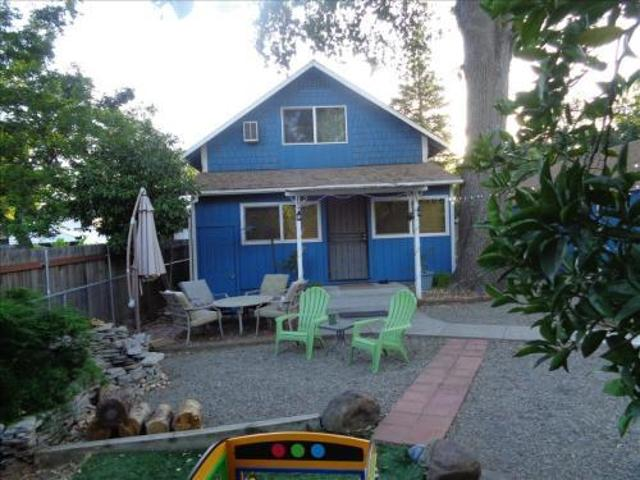 216 Earl Ave 2br