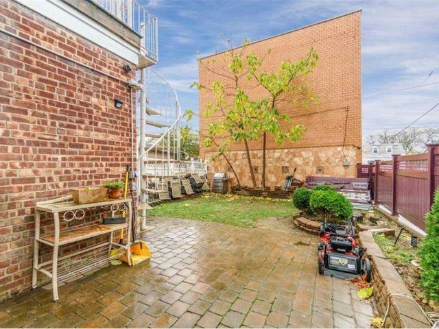 21 02 Rd Street, College Point, Ny 11356