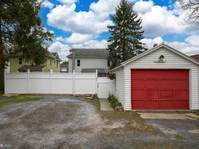 221 Brimmer Avenue, New Holland, Pa 17557