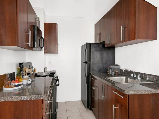 2756 N Pine Grove 2 Bedroom Apartment For Rent At 2756 North Pine Grove Avenue, Chicago, I...