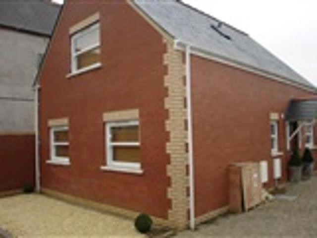 2 Bed Detached For Rent Dogo Street Cardiff