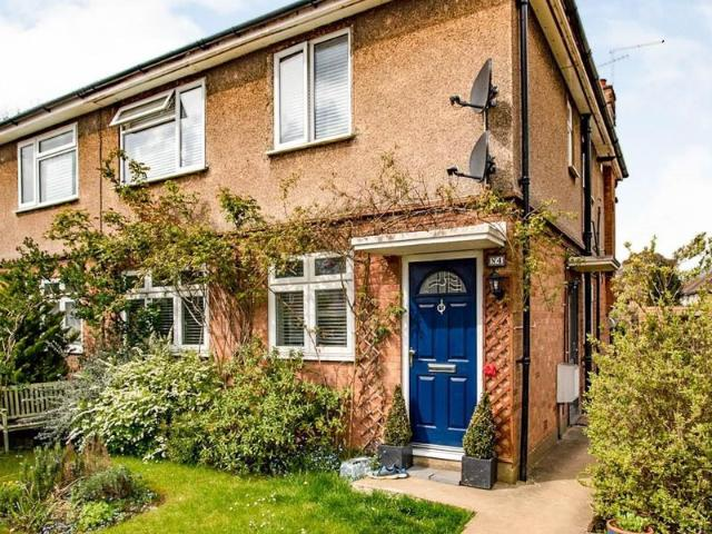 2 Bed Flat To Rent In Russell Crescent, Watford Wd25 Zoopla