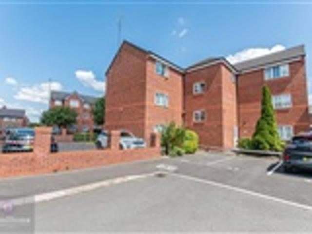 2 Bed House For Sale Brentwood Grove Leigh