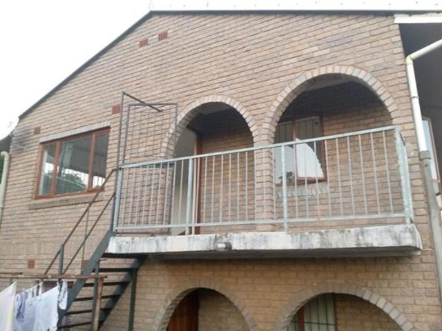 2 Bed House In Newlands East