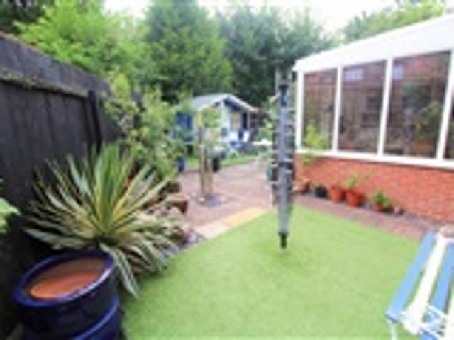 2 Bed Semi Detached For Sale Herle Avenue Leicester