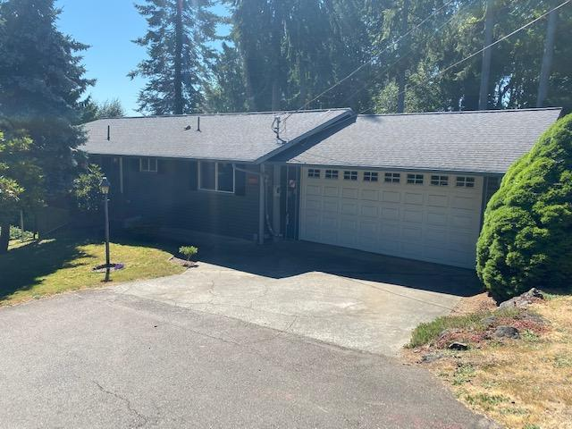 2 Bedroom/2 1/2 Bath In Port Orchard With Views