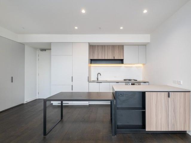 2 Bedroom 2 Baths 1 Car Space, Apartment For Rent In Burwood East