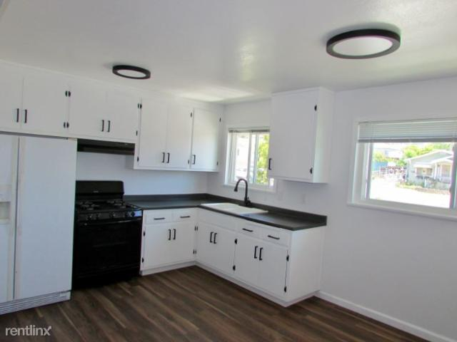 2 Bedroom Apartment For Rent At 18179 Redwood Rd, Castro Valley, Ca 94546
