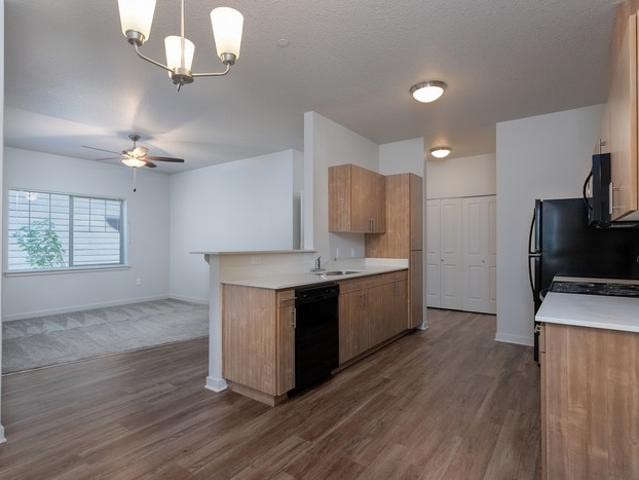 2 Bedroom Apartment For Rent At 3802 Pacific Ave #348, Forest Grove, Or 97116
