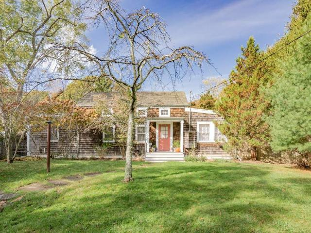 2 Bedroom Apartment For Rent At 695 Springs Fireplace Rd, East Hampton, Ny 11937