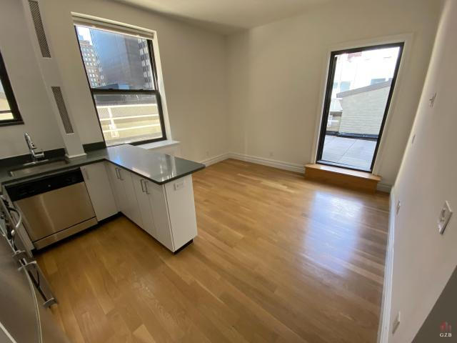 2 Bedroom Apartment For Rent At E 46th St #ph, New York, Ny 10017 Midtown East