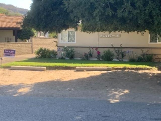 2 Bedroom Apartment For Rent At Valley St, Newhall, Ca 91321