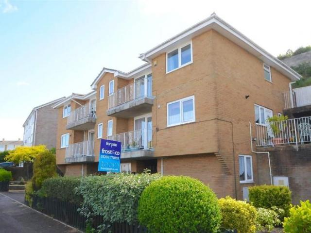 2 Bedroom Apartment Parkstone, Poole South West England