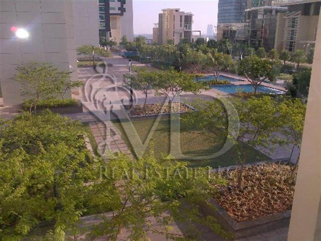2 Bedroom Apartment Recently Upgraded With Fantastic Views Of The Marina And The City! Aed...