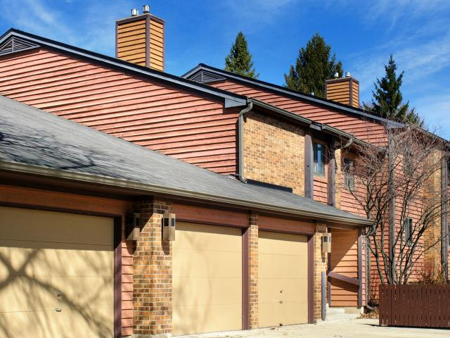 2 Bedroom Condo For Rent At 620 Waverly Dr Apt D #apt D, Elgin, Il 60120
