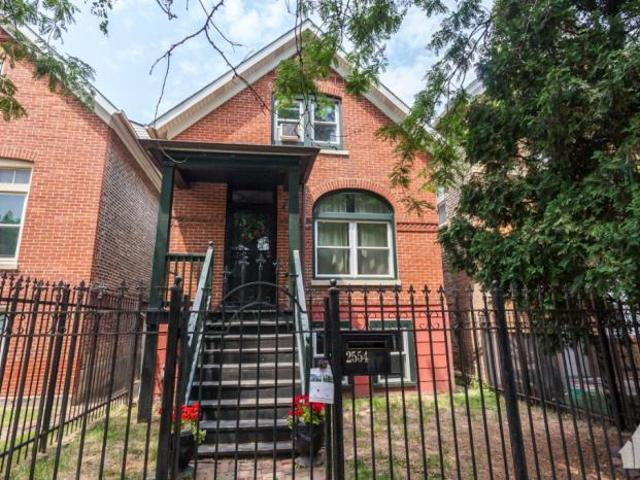 2 Bedroom Detached House Chicago Il For Rent At 2200