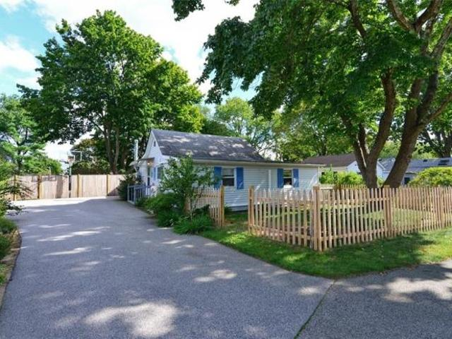 2 Bedroom Detached House Warwick Ri For Sale At 185000