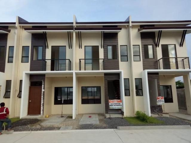 2 Bedroom End Unit Townhouse For Sale In Serenis South Talisay