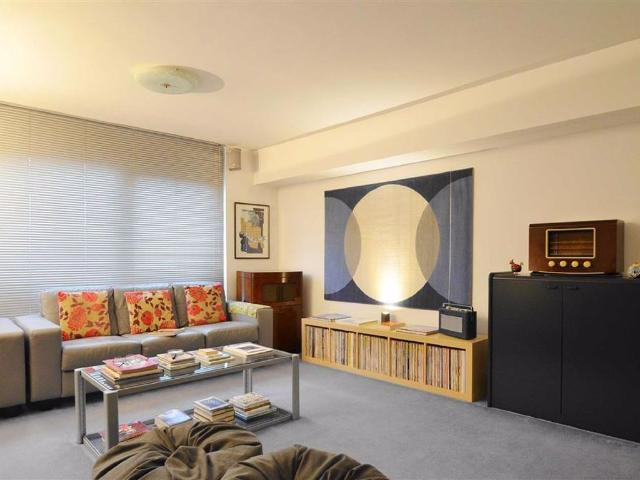 2 Bedroom Flat For Sale In 1552 London Road, Leigh On Sea, Essex On Boomin