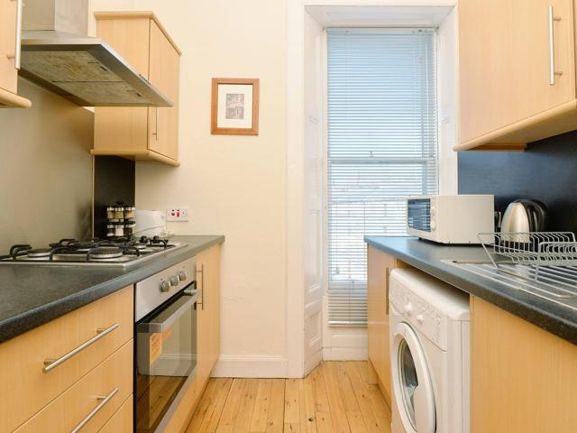 2 Bedroom Flat For Sale In 16 3f2 Spittal Street, City Centre, Edinburgh, Eh3 9dt On Boomin