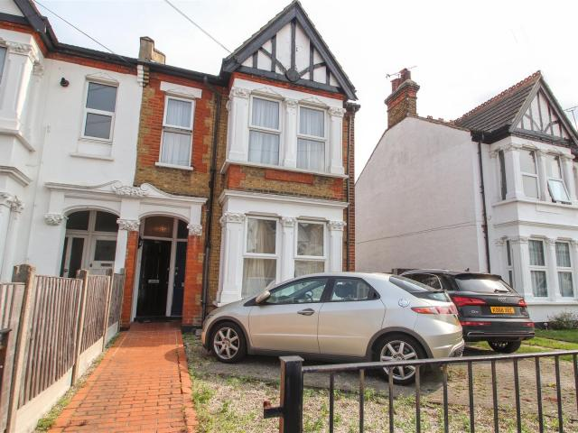 2 Bedroom Flat For Sale In Argyll Road, Westcliff On Sea On Boomin