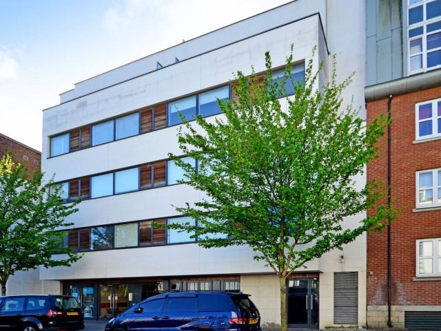 2 Bedroom Flat For Sale In Bell Street, Marylebone, London, Nw1 On Boomin