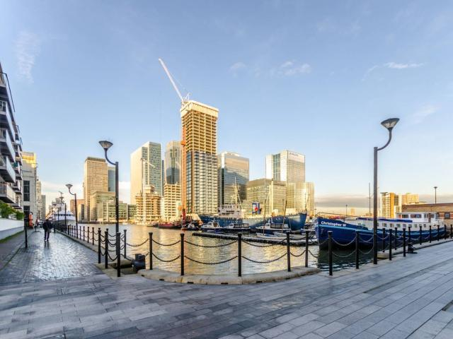 2 Bedroom Flat For Sale In Dollar Bay, Canary Wharf, London, E14 On Boomin