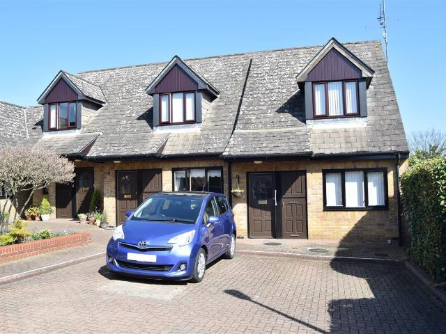 2 Bedroom Flat For Sale In Gladstone Court, Mildmay Road, Chelmsford On Boomin