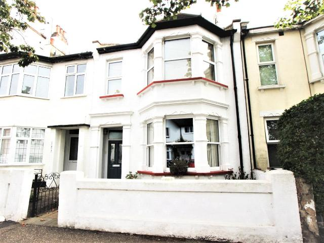 2 Bedroom Flat For Sale In Nelson Drive, Leigh On Sea, Ss9 On Boomin